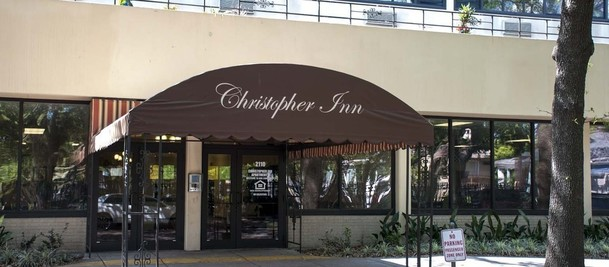 Christopher_Homes_Christopher_Inn_002